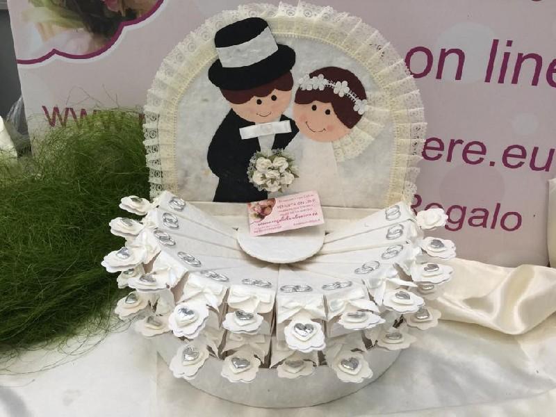 Scatoline e rotoli torta sposi coni 24 portaconfetti - Cesti porta bomboniere matrimonio ...
